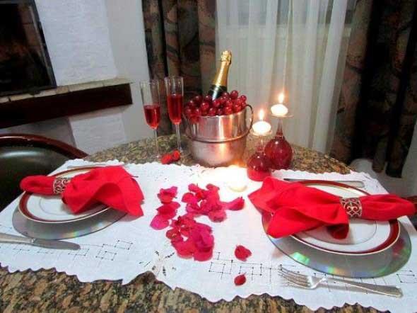 Mesa de jantar decorada Dia dos Namorados 009