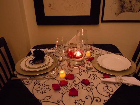 Mesa de jantar decorada Dia dos Namorados 012