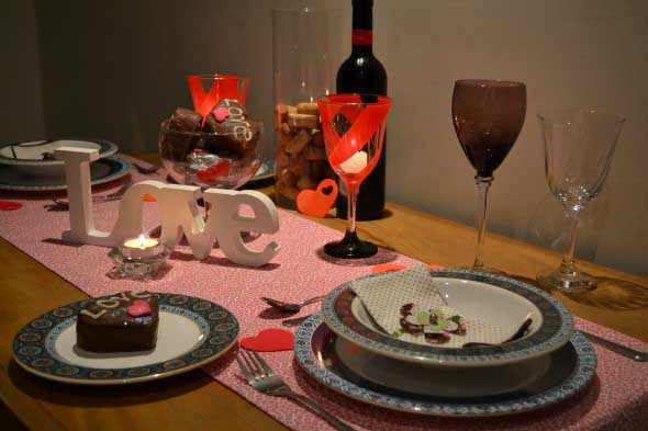 Mesa de jantar decorada Dia dos Namorados 013