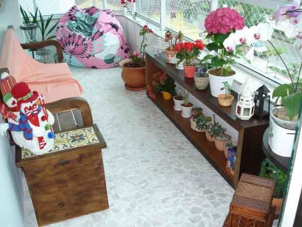 Vasos de flores na varanda 014
