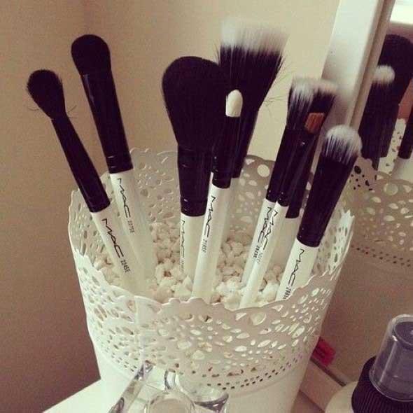 organizar pincéis de maquiagem 005