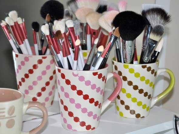 organizar pincéis de maquiagem 009