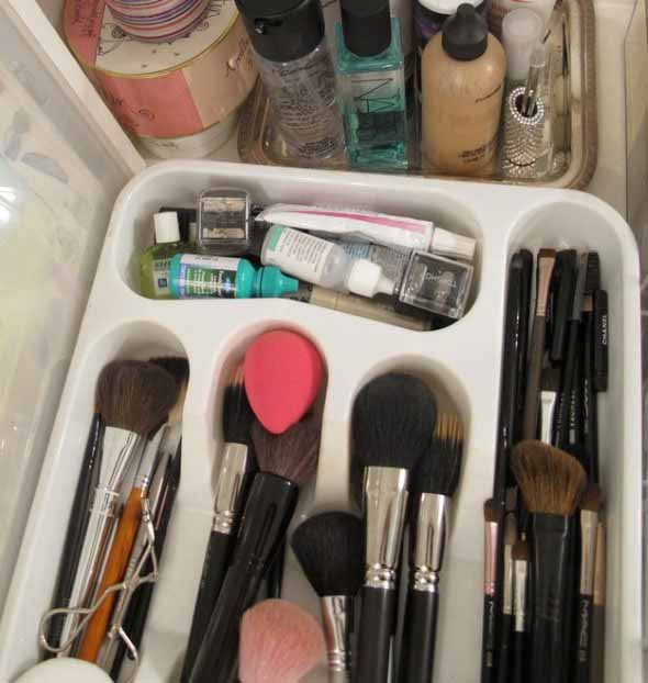 organizar pincéis de maquiagem 017