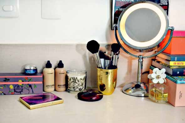 organizar pincéis de maquiagem 018