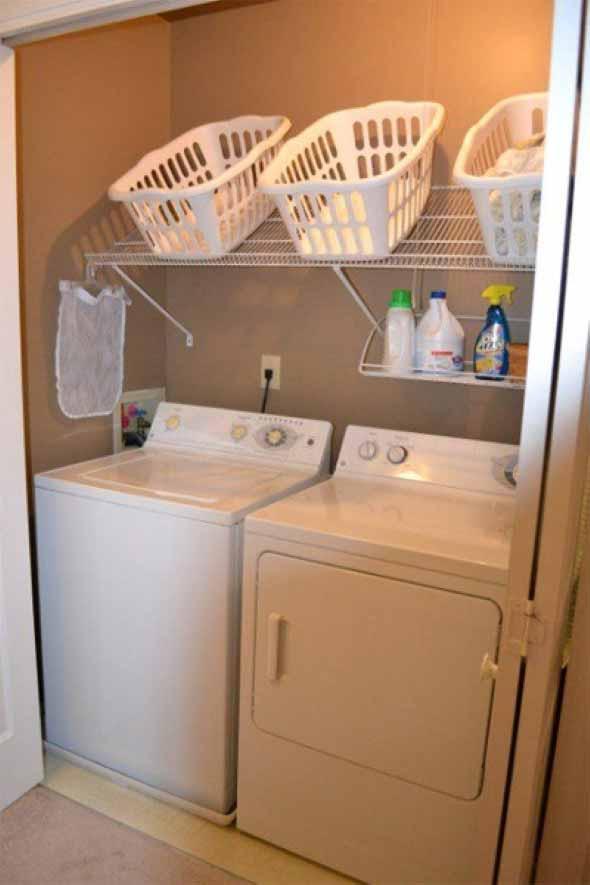 Organizar roupas na lavanderia 011