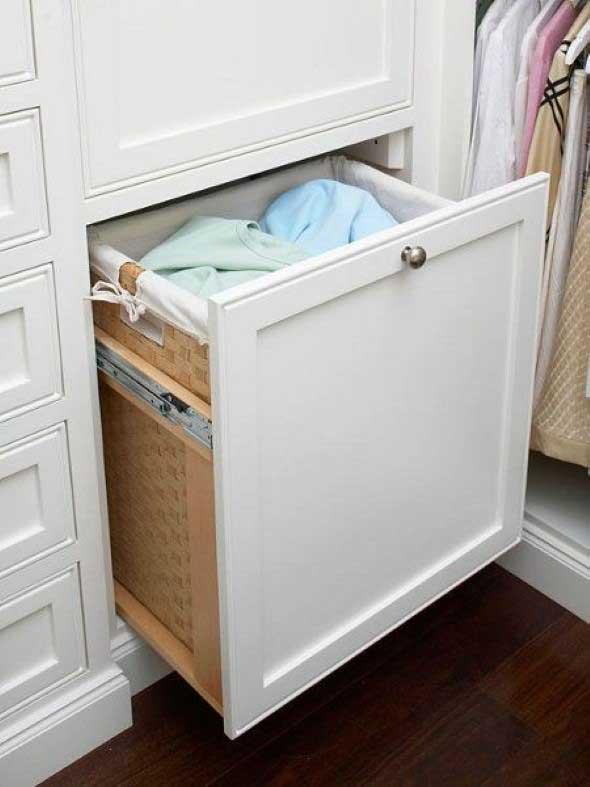 Organizar roupas na lavanderia 012