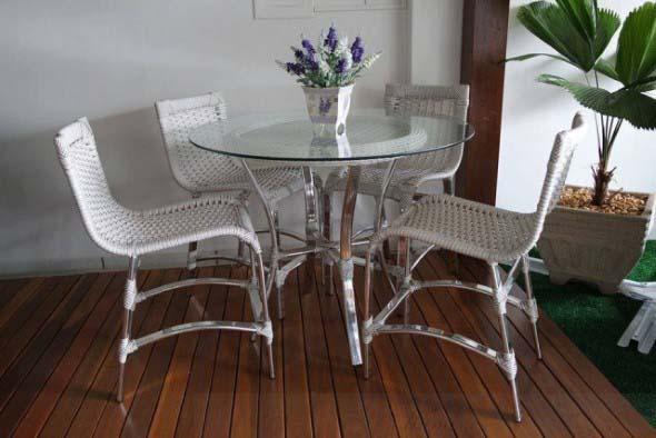 Use mesas bistrô na decoração de casa 017