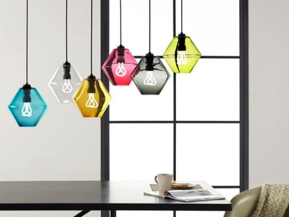 Luminárias e pendentes coloridos na decoração 014