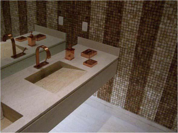 Pia esculpida na decoração do banheiro 018